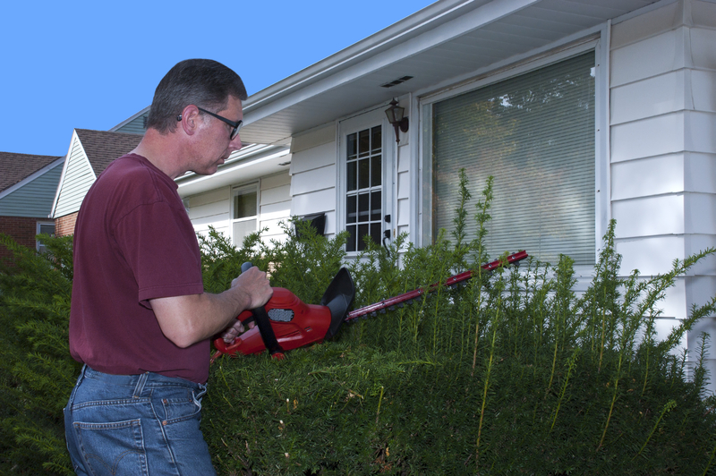 Home Maintenance You Should Be Keeping Up on If You Want to Get the Best Price for Your House